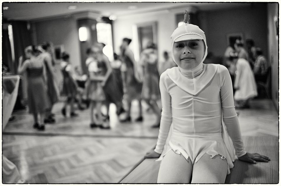 Junge Tänzerin — Michael Wassenberg — Ist das Kunst oder kann das weg?